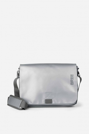 BREE-Punch-62-Messenger-Tasche-shiny-silver-silber